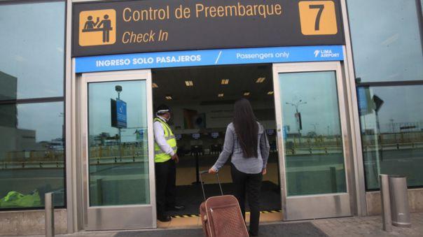 Minsa: Viajeros nacionales e internacionales ya no cumplirán cuarentena al trasladarse por el país https://t.co/pN6rX2VEZY #Minsa #Turismo #Coronavirus #COVID19 #MinisteriodeSalud https://t.co/pfIvVp5GB6