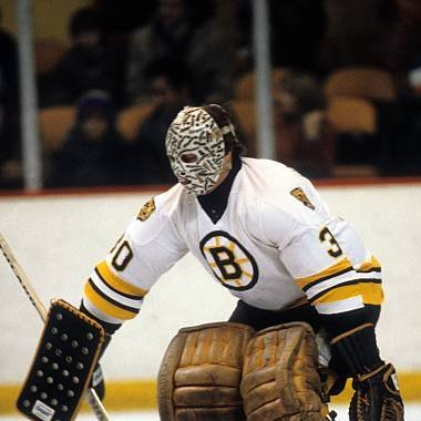 40 years ago today (July 8, 1980), @NHLBruins goalie great Gerry Cheevers retires to take over the clubs head coaching position. In parts of 5 seasons, Cheesie leads BOS to a 204-126-46 record & 3 playoff series wins. To date, he sits 5th all-time in career wins by a Bruins HC