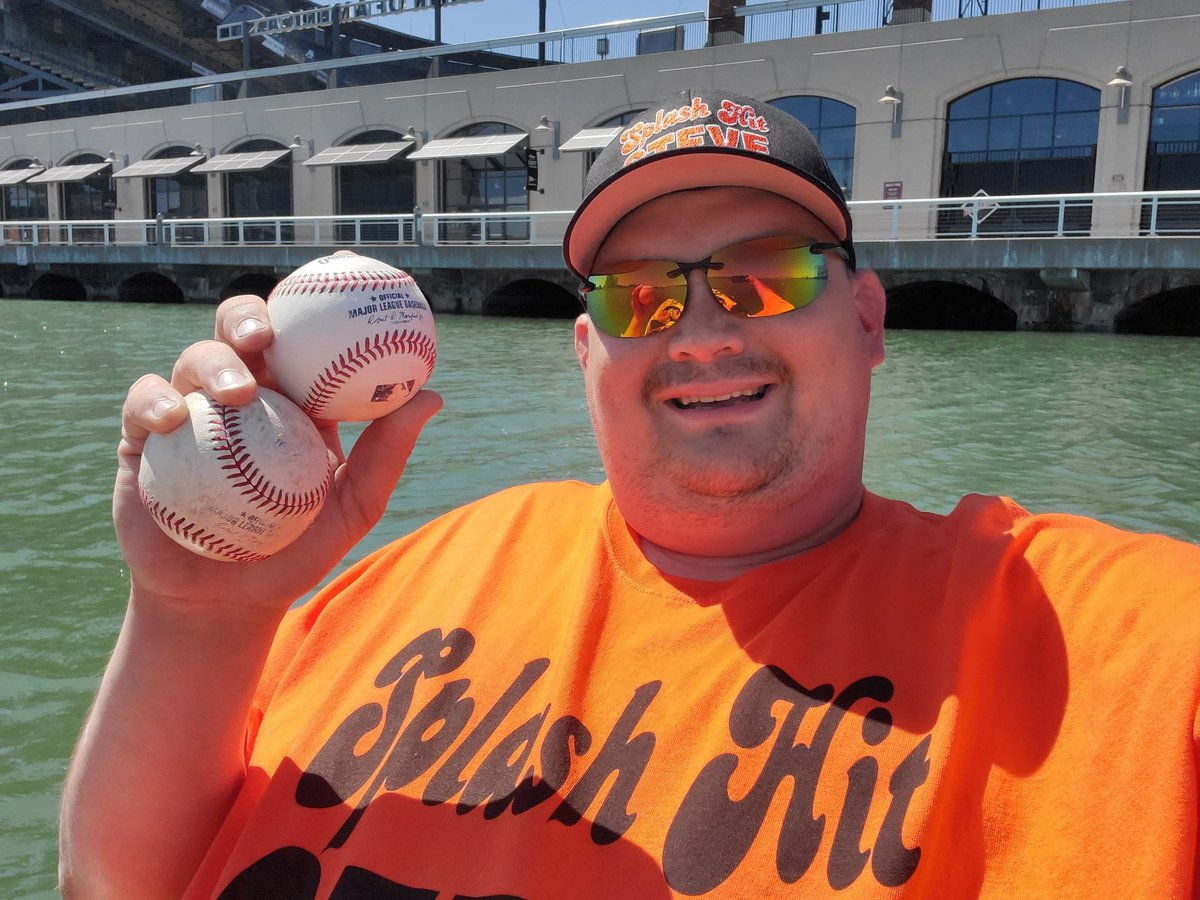 @JanieMcCAP @JanieMcCAP ... That would of be me 🛶 And for the record ... I got 2 balls hit during batting practice. #SFGiants #OraclePark #McCoveyCove #SFGsocial #AuthenticFan #20at24 #SFGspring https://t.co/MNcs1ZKtSe