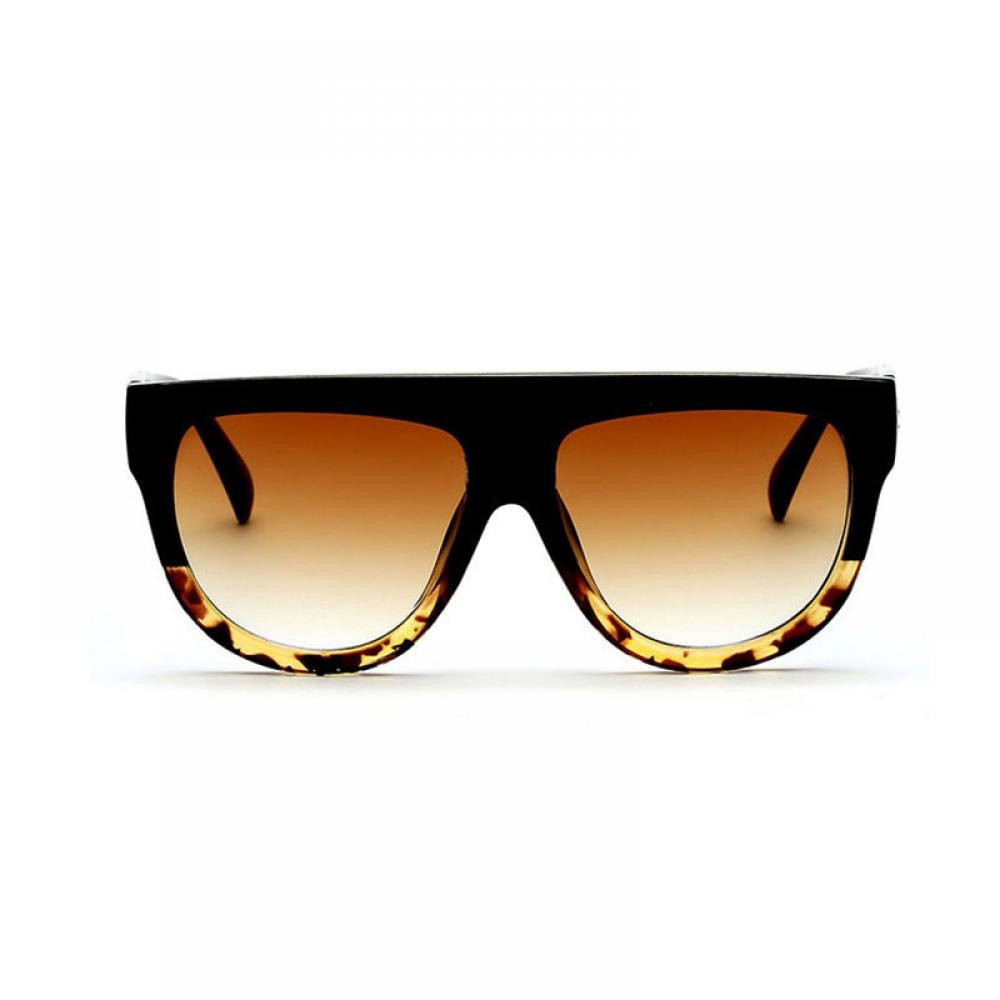 #trendalert #envywear Flat Top Oversized Sunglasses pic.twitter.com/AK9epImDEv