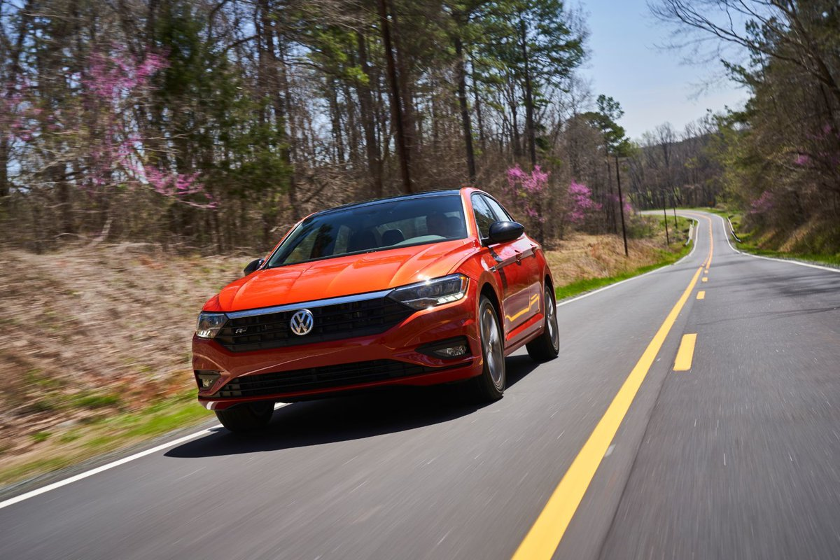 If you want a #Jetta with a little extra flair, the R-Line is sporty, fun to drive, and you can get a rare manual transmission with this trim. @VW https://t.co/Rjp8hvyVlO https://t.co/5wrU59XMOv