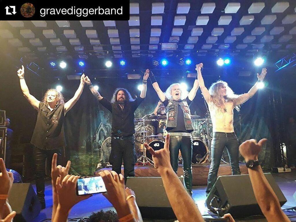 WE'll BE BACK SOON! #gravedigger #gravediggerband #axelritt #ironfinger #the_real_ironfinger #stage #lights #sound #ontour   https://www.instagram.com/p/CCaXmxUInOA/?igshid=1ocamzwsrn84c…pic.twitter.com/b3xkrrQHgM