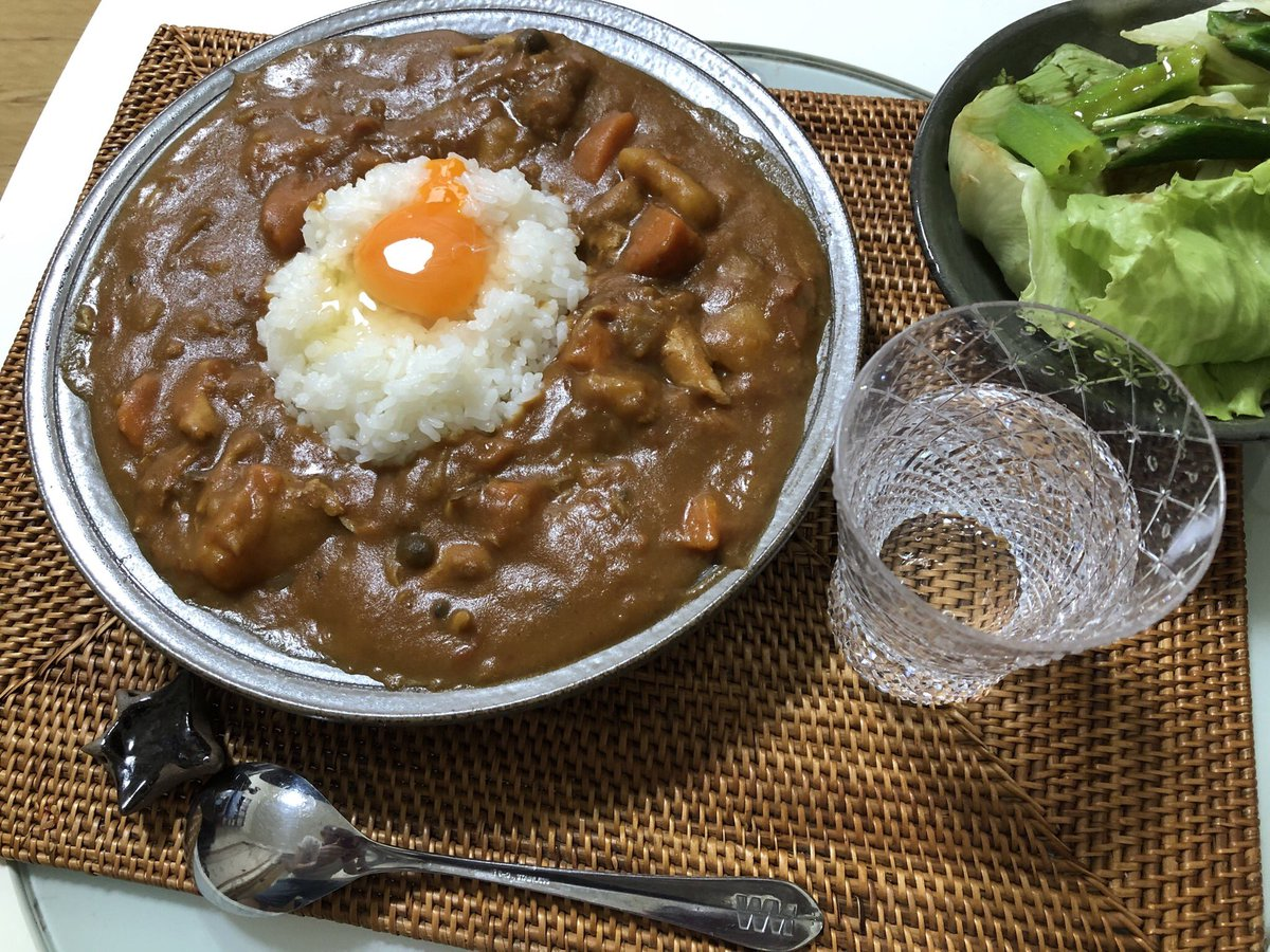 The last day of my our Curry festival Today, for lunch I cooked this curry rice topped with a raw egg. Much of curry is still left but the Fes once ends today. For the leftover, I'll stock in the freezer for enjoying at another time #cookingathome  #twinglish  #おうちごはん pic.twitter.com/6anyO3mWOh