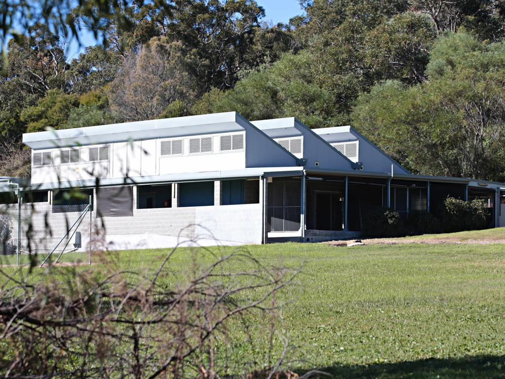 The Animal Welfare League NSW has quietly sold its former shelter on Sydney's northern beaches to a neighbouring property owner for $6.6 million – three years after closing the facility.  https://t.co/Sy1tRtEAQy #realestateau #NSW via @ASheppeard https://t.co/3ZmUXSQlc3