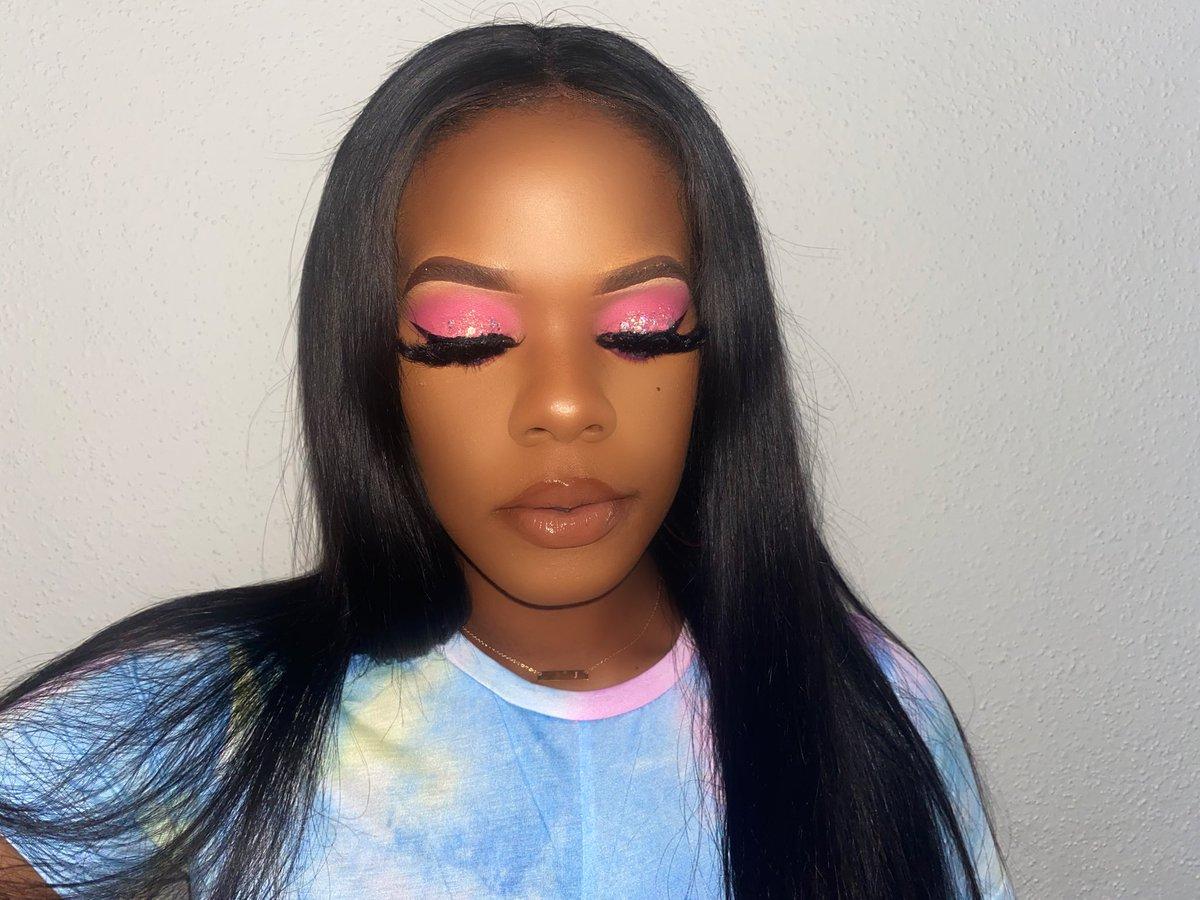 • • • • • #motd #wakeupandmakeup #anastasiabeverlyhills #makeupjunkie #makeupaddict #hudabeauty #makeupoftheday #vegas_nay #fotd #eotd #makeuplover #instamakeup #dressyourface #beautyblogger #maccosmetics #makeupmafia #ilovemakeup #undiscovered_muas #makeupartistsworldwidepic.twitter.com/Tn3fecLSpr