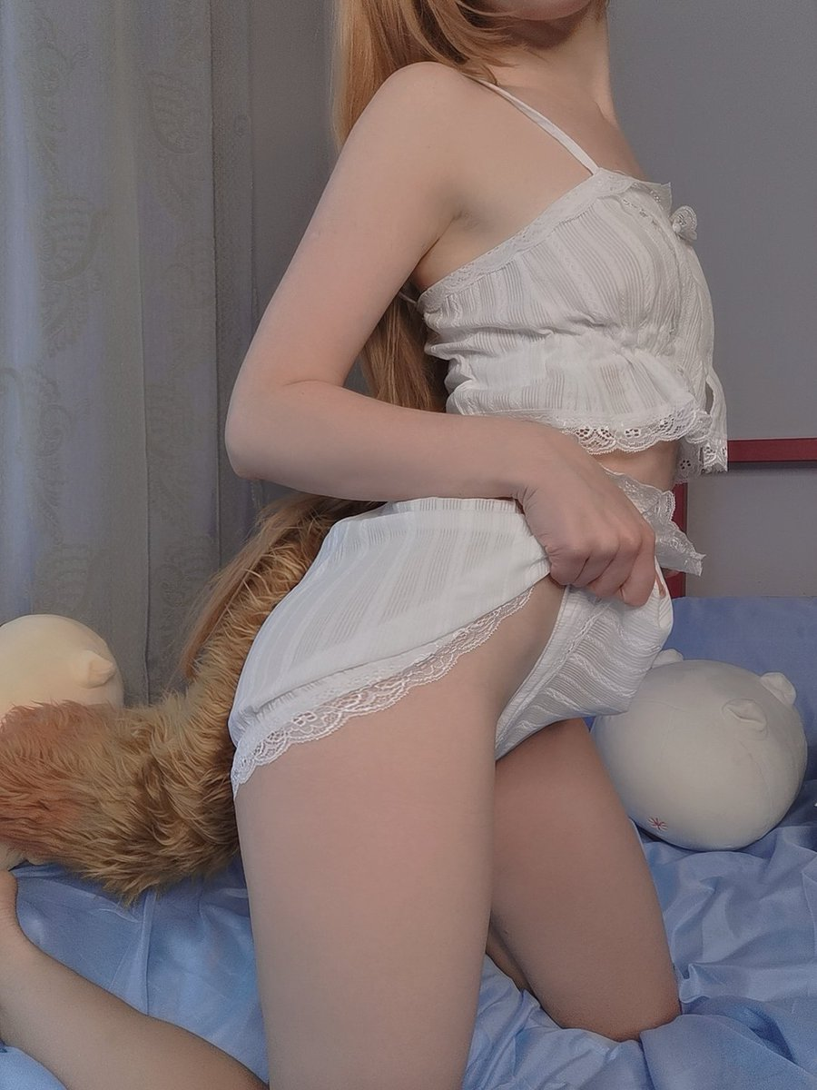 Little sexy Raphtalia ❤️ Onlyfans.com/Caterpillarcos
