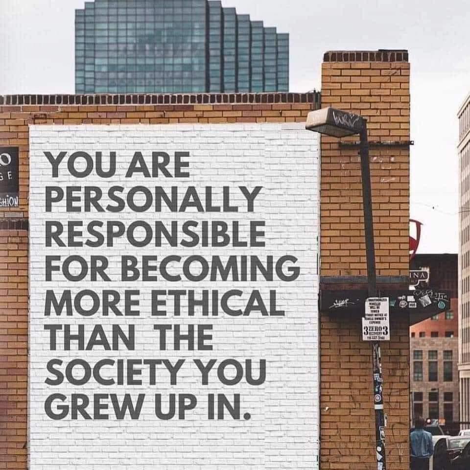 """""""هناك مسؤولية شخصية  على عاتق كل منا أن نرتقي بأخلاقنا لمستوى أعلى من  المجتمع الذي نشأنا به."""" https://t.co/sxBFVkqphm"""
