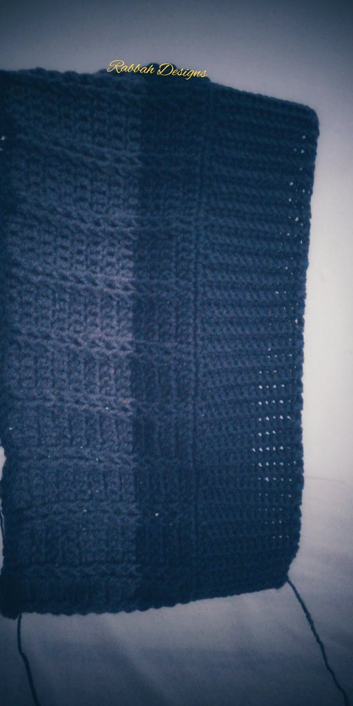 How do you like your #grey, darker or lighter?  #Beanie in progress. #crochetpic.twitter.com/5oyO74BZmD