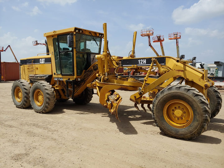 2004 #Caterpillar 12H AMZ00547 #Motorgrader For Sale in Houston, TX, USA  Price: $ 68,500  Hours: 8,261, 14' Mb, Diff Lock, Ether Aid, Engine Has A Lot Of Power/Trans Shifts In All Gears No Issues/Hydrualics Function Normally.  https://bit.ly/2VZRcxU  Houston, TX, USA | $ 68,500pic.twitter.com/W8QAcRRQzt