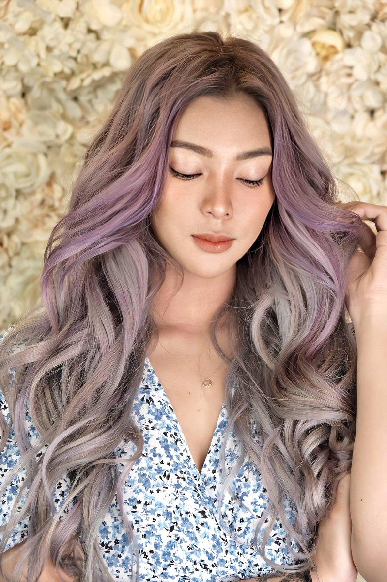 Lavender bloom. <br>http://pic.twitter.com/oufHXxCPSa