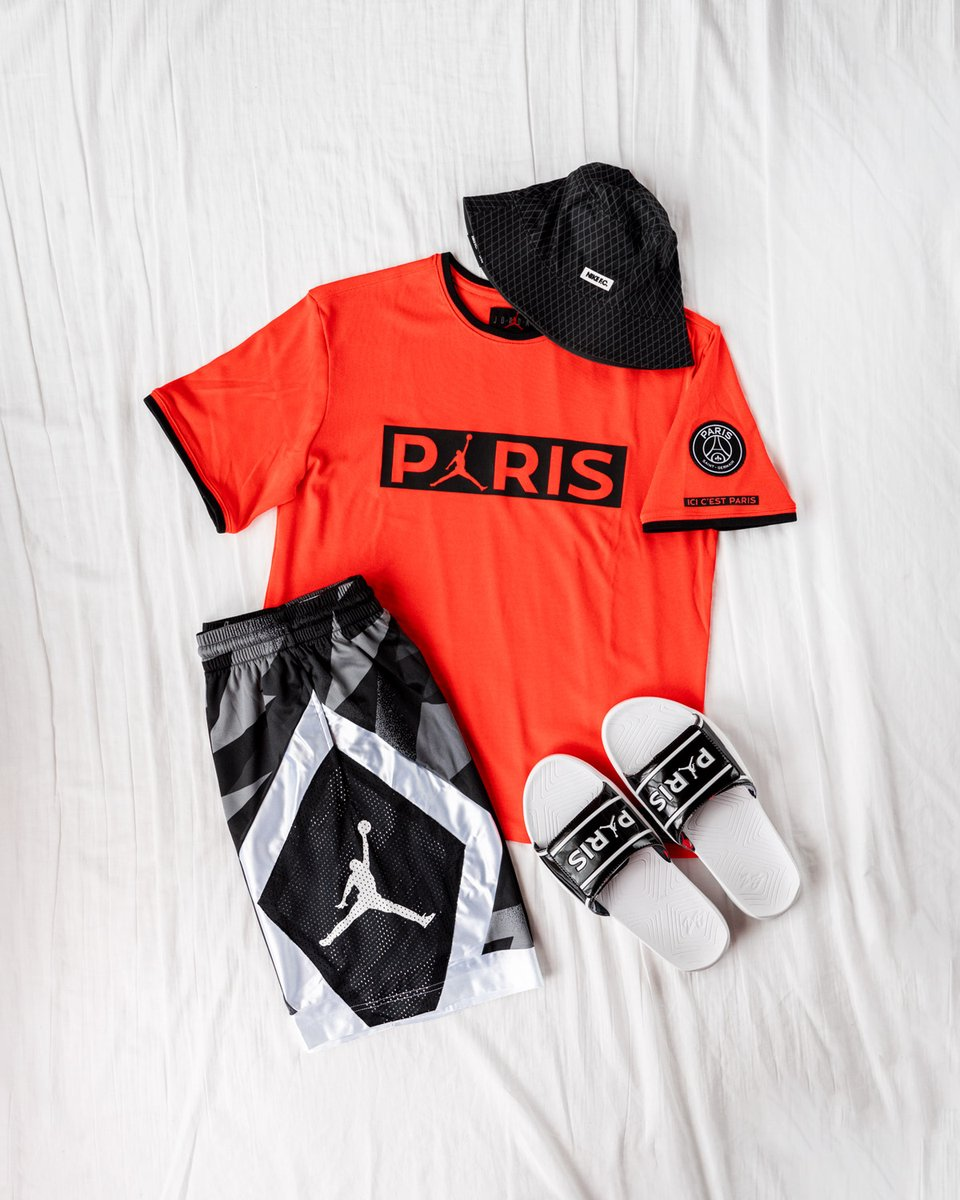 Summer style in Paris ☀️ — Así es como @Jumpman23 quiere conquistar el corazón de los futboleros. Colección lifestyle @PSG_inside disponible a través de nuestra web: https://t.co/zeoGGFh0lK -- @nikefootball #Jordan #LastDance #PSG #JordanPSG #NikeFootball #Jumpman #FutbolEmotion https://t.co/7sRBCggjQA