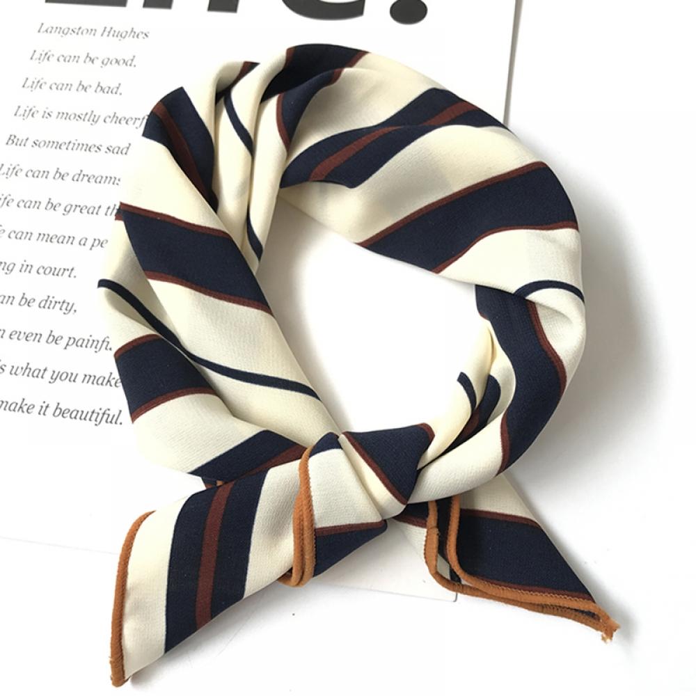 #trendalert #envywear Striped Silk Square Scarf pic.twitter.com/cdbQyrcoYm