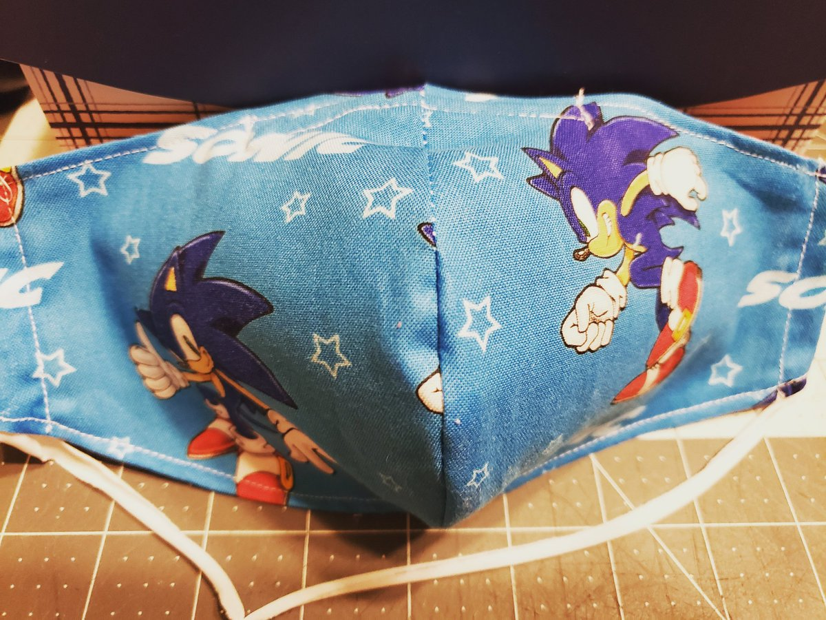 Rebecca Kiessling On Twitter A Friend Picked Up Sonic The Hedgehog Fabric For Me To Make This Facemask It S Amazing How You Can Find Almost Any Fabric For What You Like Maskmaker