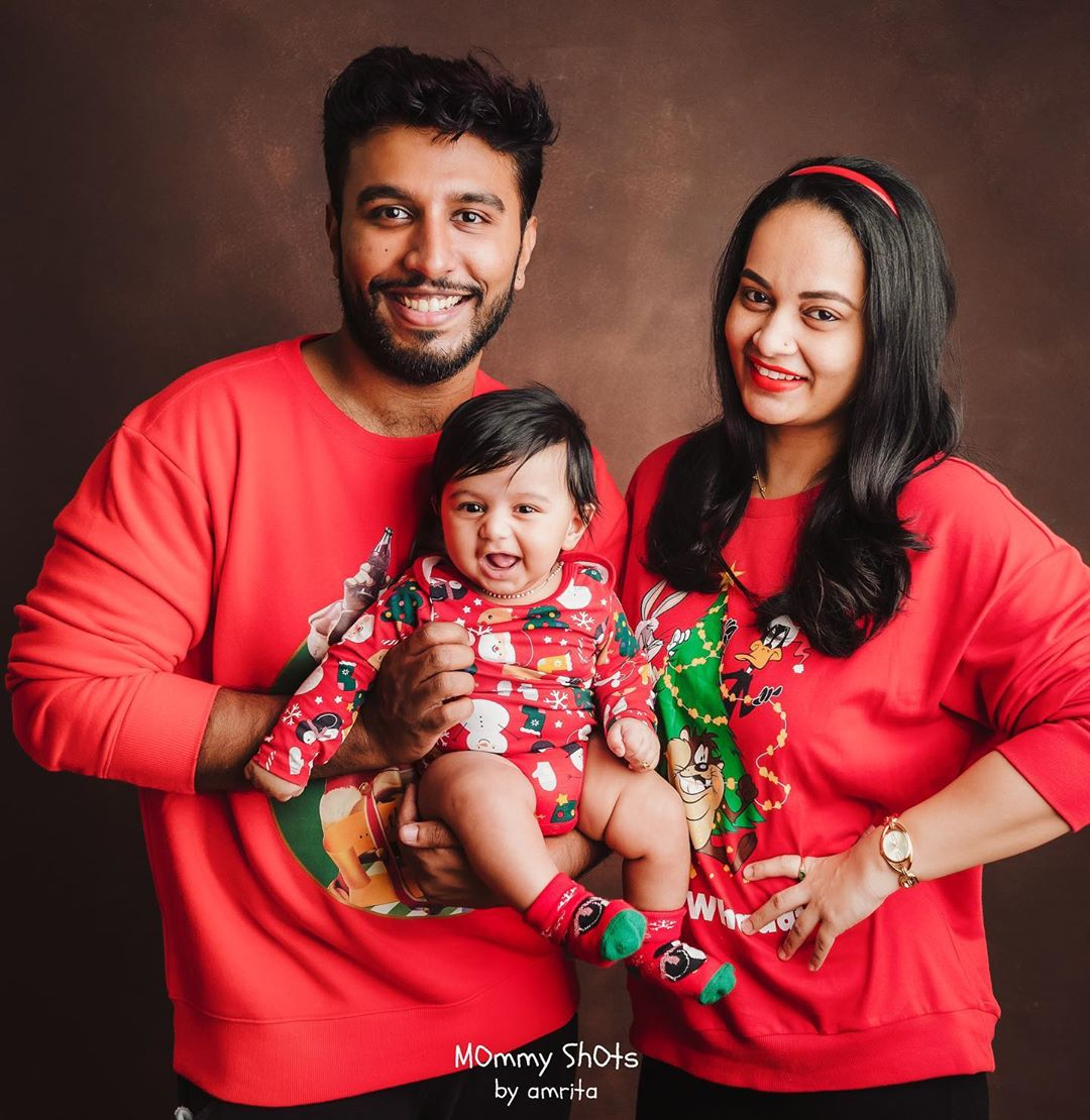 Picture perfect! @sujavarunee @Shivakumarr222 @mommyshots #sujavarunee #shivakumarr #actress #celebrity #celeb #kollywood #biggbosstamil #biggboss #familyfirst #familygoals #photooftheday #Throwback #ThrowBackThursday #RitzCinema #ritzmagazinepic.twitter.com/sXvVDbx9Zk