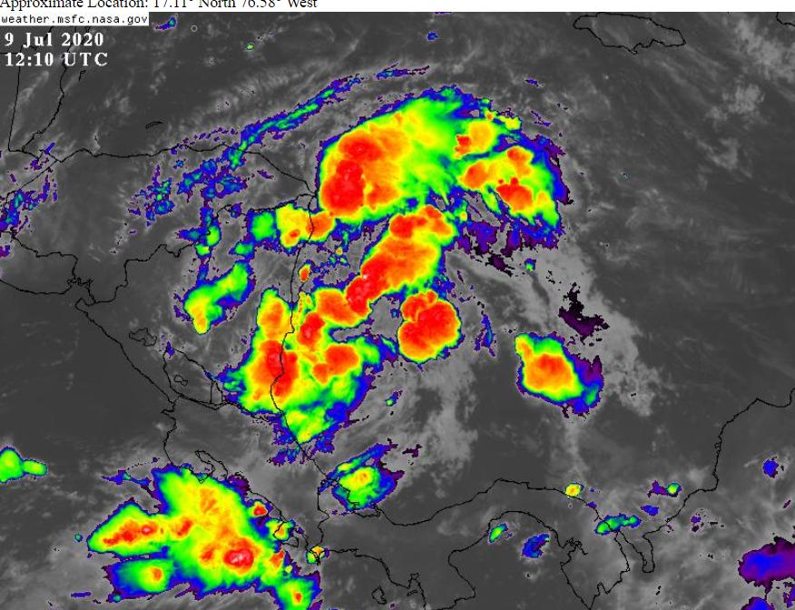 La onda tropical #17 se ha tornado bien activa, y esta produciendo densa nubosidad, aguaceros moderados a fuertes en ocasiones, asi como tormentas eléctricas en el este y centro de Nicaragua, asi como aguas caribeñas adyacentes noroeste de Panama, de Costa Rica y de Nicaragua. pic.twitter.com/sbFowdtHuu