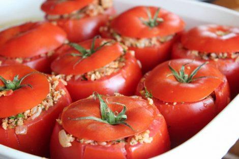 I pomodori ripieni di riso, quando l'estate arriva a tavola - https://t.co/lEpyFyKsUv #blogsicilianotizie