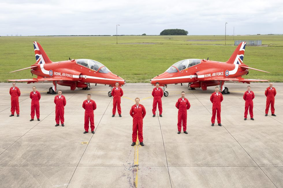 Well done all! The @rafredarrows get display approval! Read all about it here ➡️ https://t.co/wHuIevD4WL @RAFRed1 @RAFRed10 @RAFRed09 @RAFRed5 @RAFRed8new @rafred7 @RAFRed3 @RAFRed2 @RAFRed4 @RAFRed61 @RAAsecretary @RAFCircus1 @RAFScampton #redarrows #aviation #aircraft https://t.co/N2hhZpEiAt