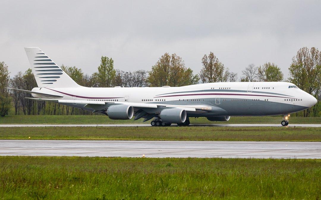 This beauty is currently for sale! . Boeing 747-8KB A7-HBJ Boeing Business Jet (BBJ) (MSN 37075 - 1st Flight: 31MAR2012) . #PrivateJet #BusinessAviation #VIP #VVIP #BizJet @Boeing #AvGeek #PlaneSpotting #Airplane #Aircraft #AviationPhotography #Switzerland #Basel @flightradar24 https://t.co/YHHJsrtF5D
