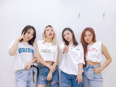 AHHHHH OT4 AFTER SO LONG. CAN WE TALK ABOUT THEIR SHIRT AND DENIM OUTFIT  <br>http://pic.twitter.com/DlmwkHP3Hp