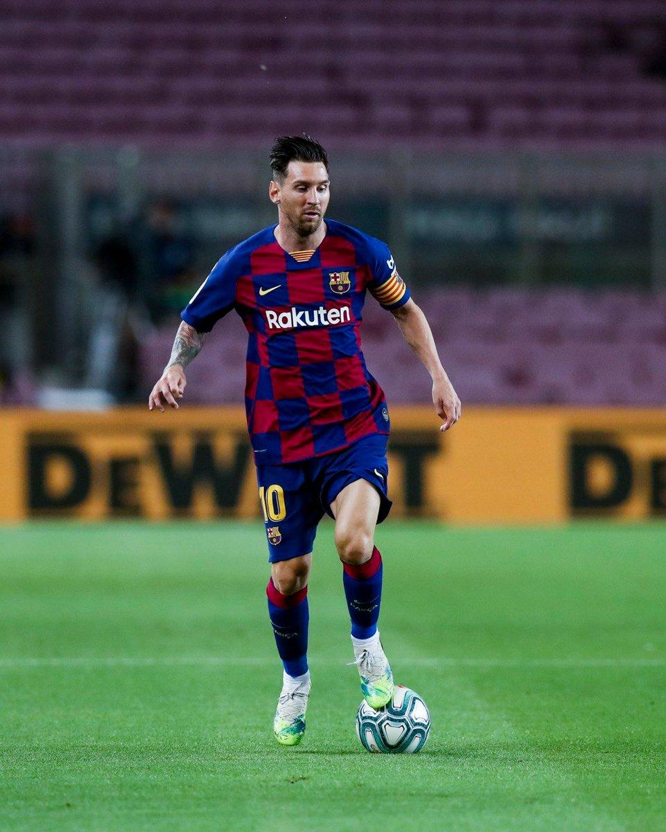 Leo #Messi ile ilgili tek bir şeyi değiştirme şansın olsa bu ne olurdu? https://t.co/HyN7E2VuKn
