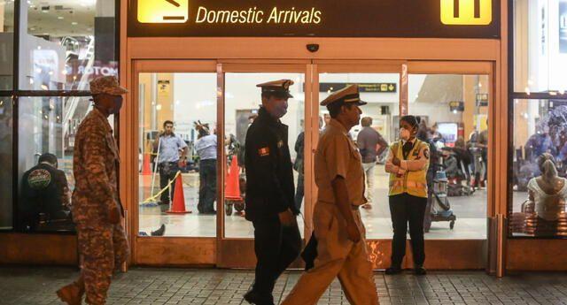 #Minsa: Viajeros ya no deberán cumplir cuarentena para trasladarse al interior del país ►https://t.co/lZuvJjn4gc https://t.co/CEC0gYF5rt