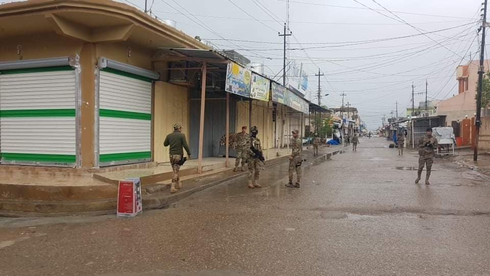 A curfew is in place in Tuz Khurmatu, a town about 60km south of Kirkuk. According to official numbers there are 317 registered COVID-19 cases in the town, among those eight people have died and 129 have recovered. pic.twitter.com/gUz0mq2CuU