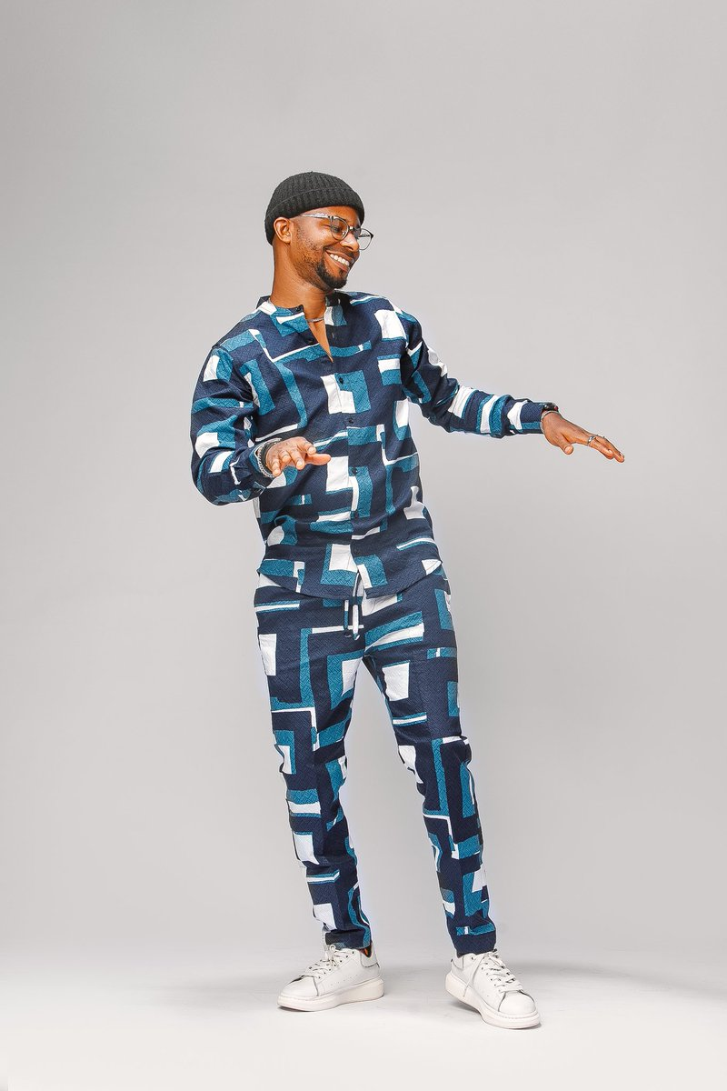 PSA: If you ever asked for this fit, you can DM me now. Im restocked on the fabric 🙏🙏🙏🙏 Price: #13, 000 Kindly RT 😇😎
