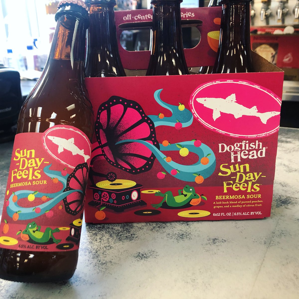 Sunday Feels from @dogfishhead is here! #newarrivals #craftbeerpic.twitter.com/SnnKb4qN4U