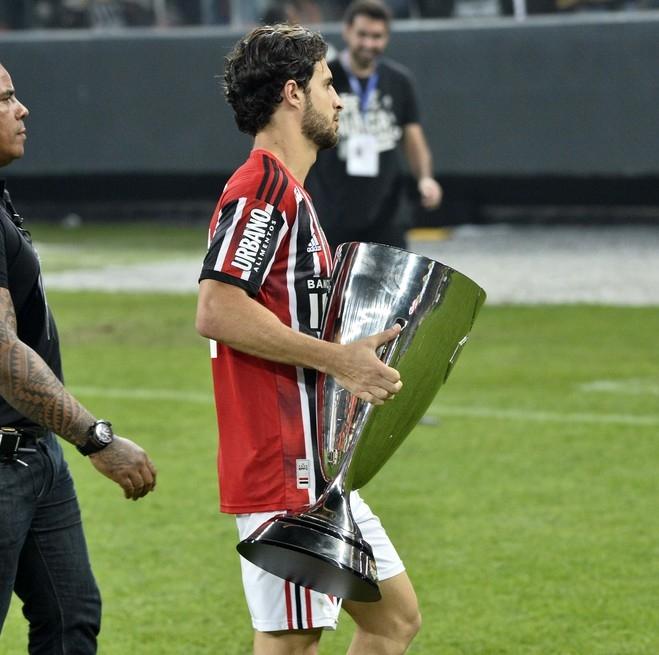 Saia do São Paulo e seja campeão. https://t.co/bjZHfqCP5Y
