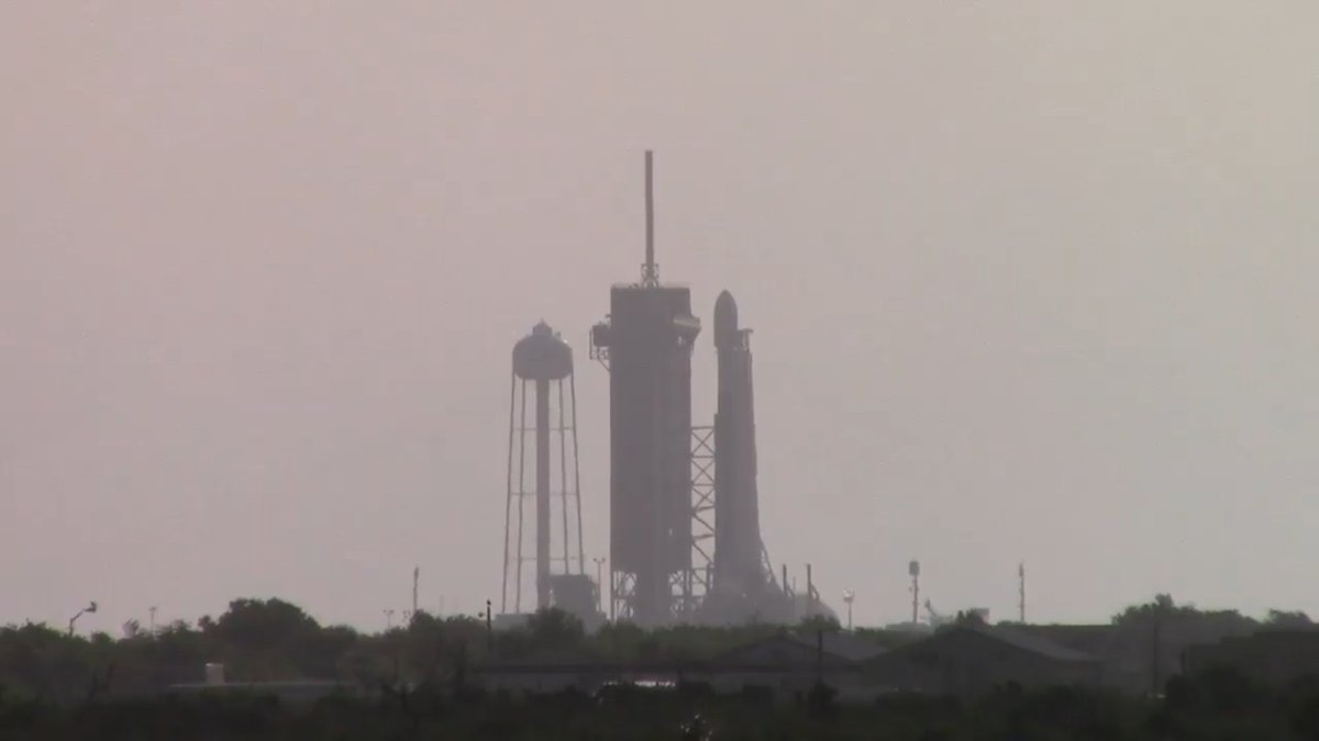 Good morning Pad 39A...(can we pretty please have a livecam for ELA-4 too please...) #SpaceX #Starlink https://t.co/cMVenDvF0r