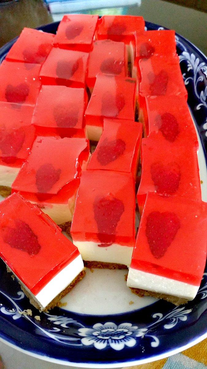 COOKIES & DESSERTS Hit by the sweet bug? .    #snugfood #foodpaste  #penangfoodie #singapore_insta #singaporefood #singaporefoodie #foodlovers #foodpics #foodblog #yummyfood   #travelblogger #instatravel #sg #singaporefoodie #sgfood