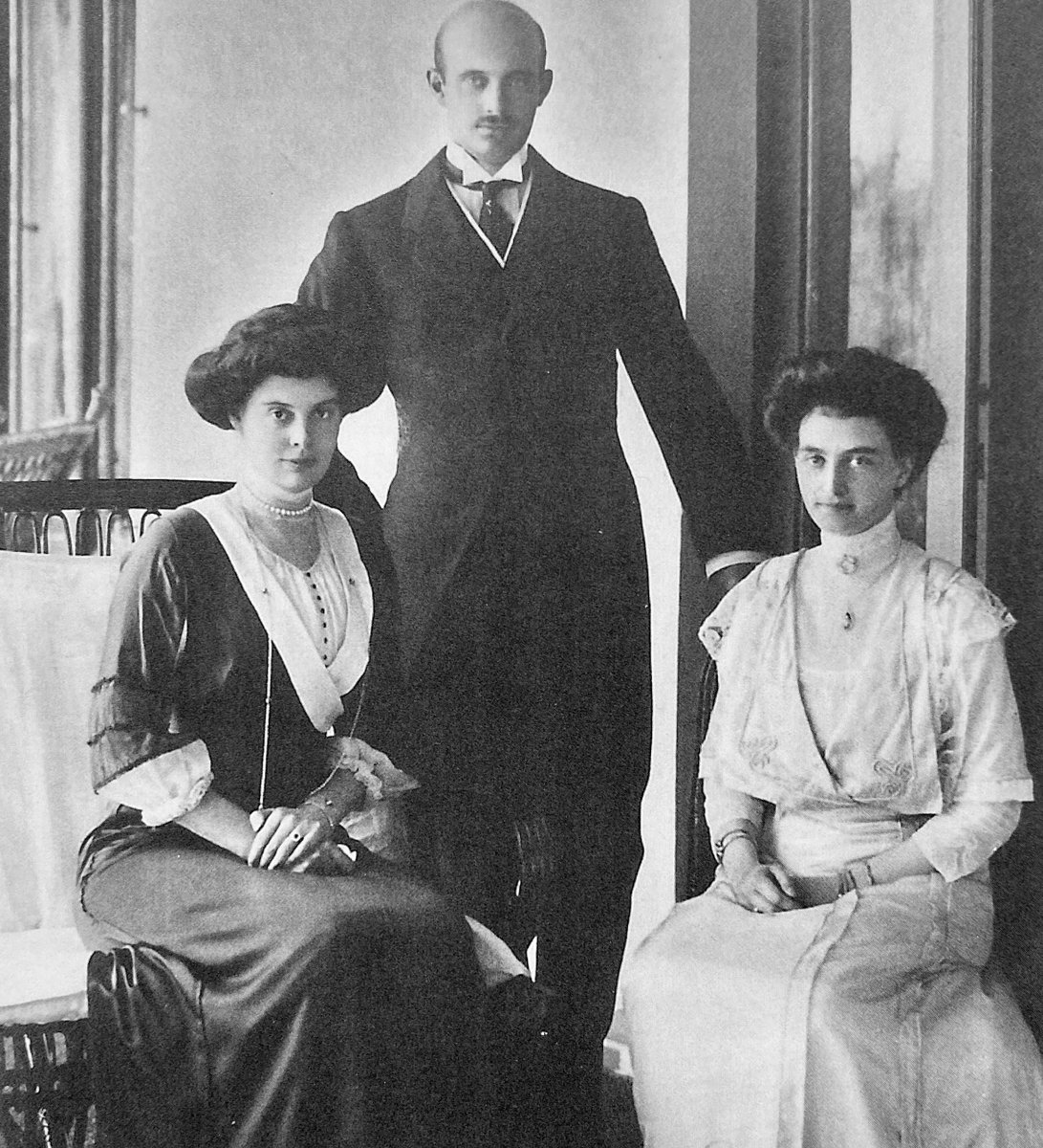 Circa 1910:  Grand Duke Friedrich Franz IV of Mecklenburg-Schwerin with his wife Grand Duchess Alexandra, born Princess of Hanover (right), and his sister Crown Princess Cecilie of Prussia.  Alexandra was a first cousin of King George V and Tsar Nicholas II.  #RoyalHistory<br>http://pic.twitter.com/R2Zy61skou