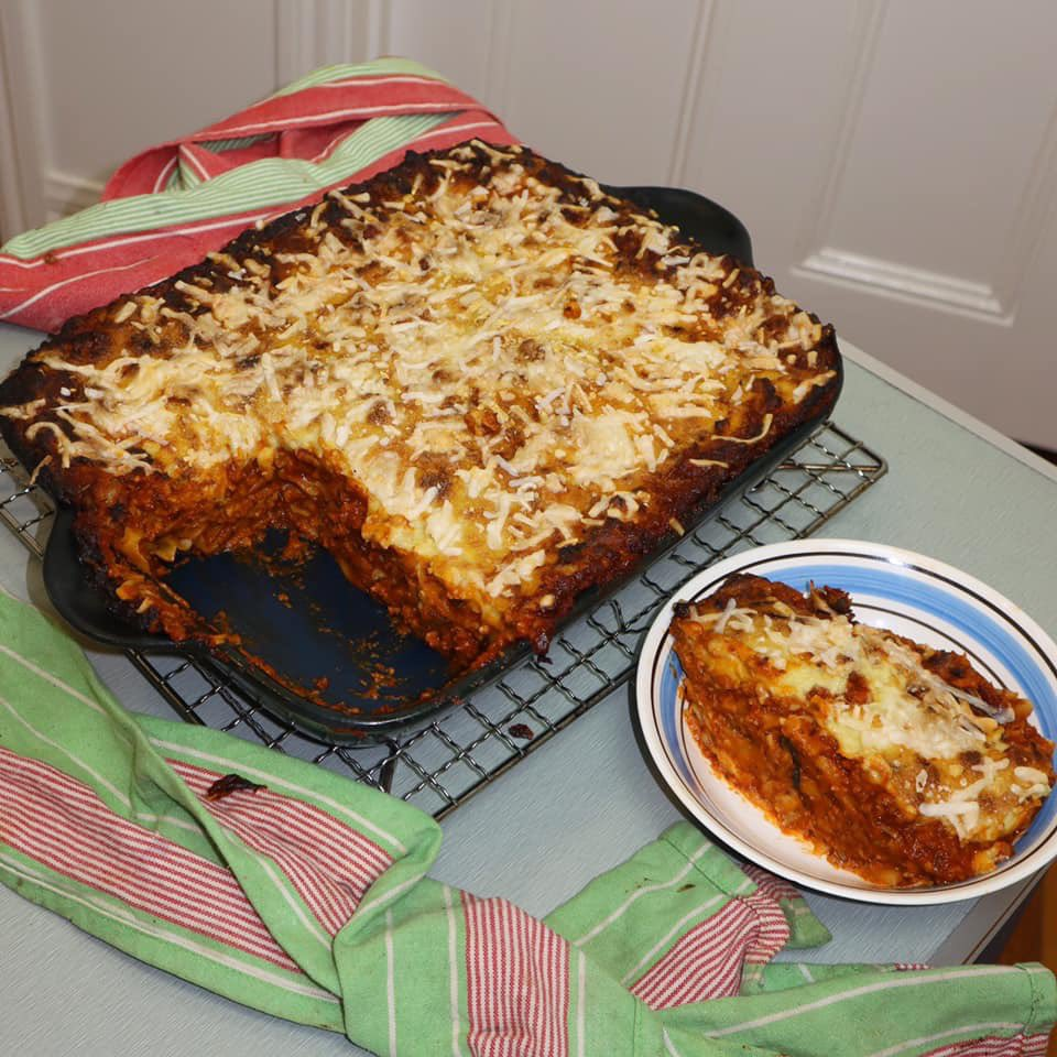 Toiled over this vegan lasagne for hours and you'd think I'd be done now but alas, you spoke too soon. This lasagne is destined for something greater. It answers to a higher calling. Ascension that can only be achieved when I deep fry the shit out of it. If it won't fry, why try? <br>http://pic.twitter.com/Ncyfd1Xuz4