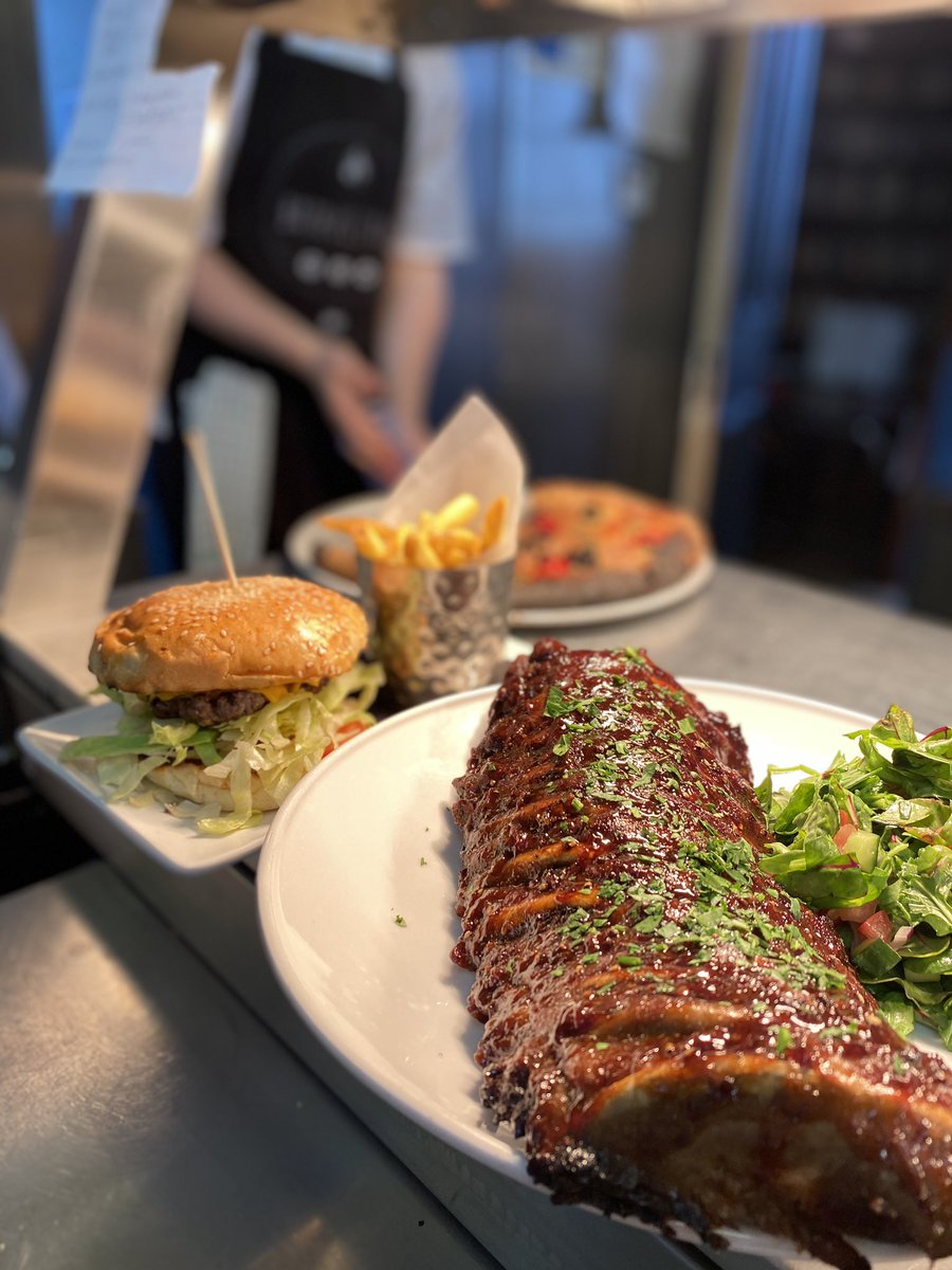 Yes chef! Rib city this lunch time 🔥 Honey & Housin glaze - 1/2 or Whole rack available 💪