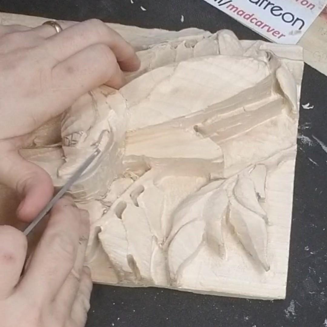 """Quick Repast"" Detailing.. YT: https://www.youtube.com/c/MadcarverWoodCarvings… http://www.madcarver.com Patronage: http://www.patreon.com/madcarver #hummingbird #birds #natureart #wildlife #naturesculpture #birdwatching #birdphotography #tinybirds #woodcarving #howto #reliefsculpture #woodworkingpic.twitter.com/pWxEtd3xcK"