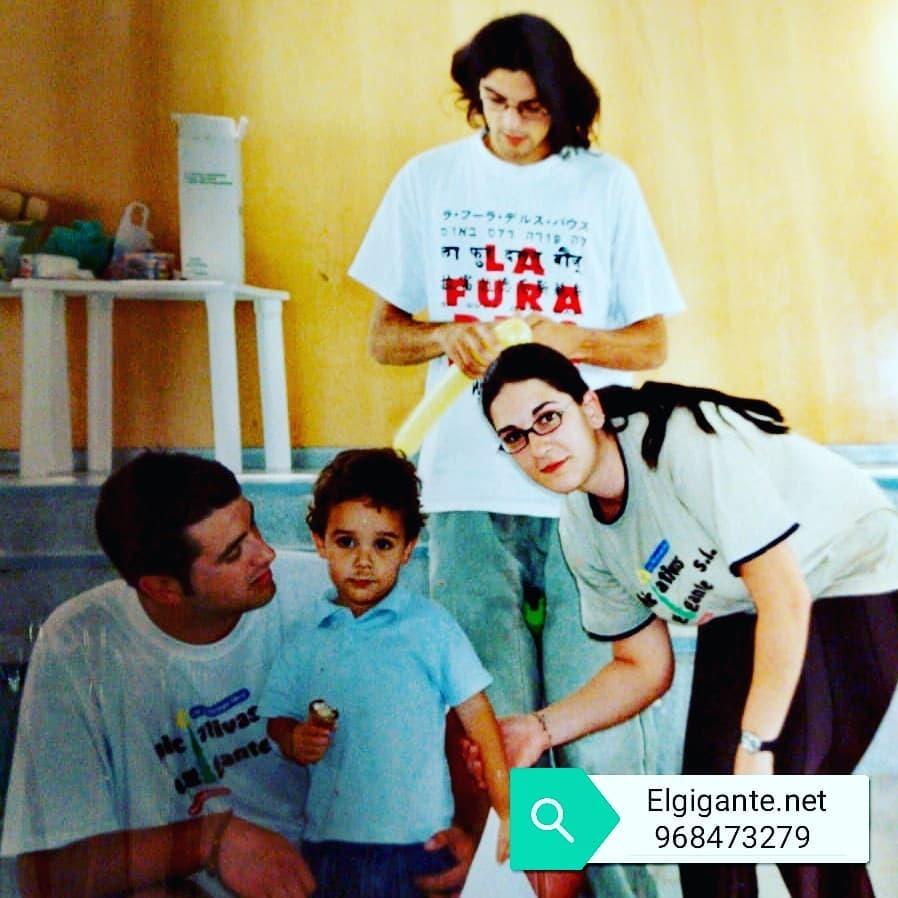 Un #tesoro de nuestra #historia Dos #gigantitos #monitores (Antonio, Oscar y Sole) en #acampada Educación İnfantil del  @colegiosanfranlorca en el Albergue Juvenil 'Cabezo de la Jara' #puertolumbreras con nuestro #gigantito @alexlb_99 cuando tenia 3 años… https://instagr.am/p/CCa9kcwqJ9B/pic.twitter.com/gDswAvPQNu
