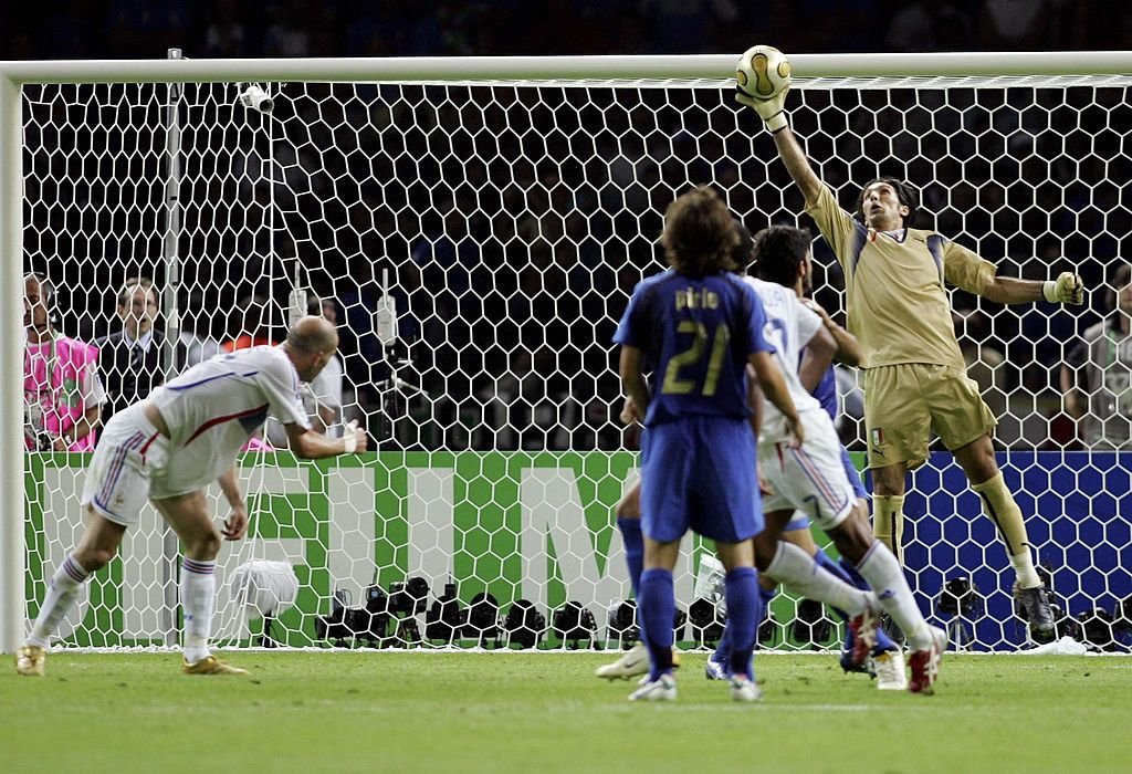 🧤 Also on this day, in 2006, Gianluigi Buffon made one of the most iconic saves in #WorldCup history when he palmed Zinedine Zidane's free header over the crossbar.  Buffon's Italy would go on to win the World Cup after defeating Zidane's France in a shootout later that day. https://t.co/IRsNBFVQPZ