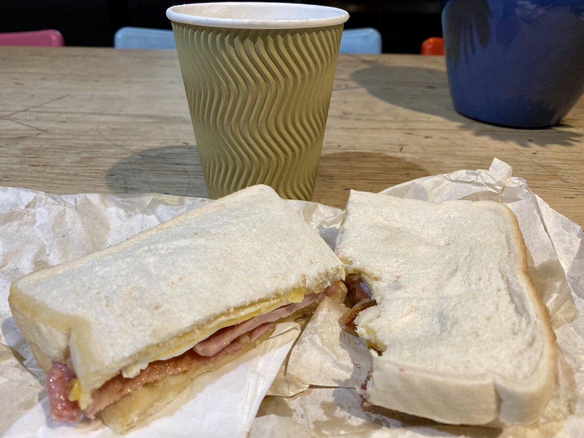 Can't beat an egg & bacon sandwich & frothy coffee from the Black & White Cafe #Grangetown for a takeaway lunch  Support your local businesses #Grangetown!<br>http://pic.twitter.com/dIl9rUBQYB