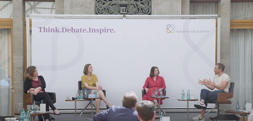 📺 What's the 'polarization trap' - and how can we get out of it?  GPPi's @thorstenbenner sat down with @ZSzelenyi, @laura_is_gold & @nnougayrede for this @BoschAcademy lunch talk to discuss growing political divisions and where we should go from here. https://t.co/SEebt3VkwV https://t.co/xTCoCyqViZ