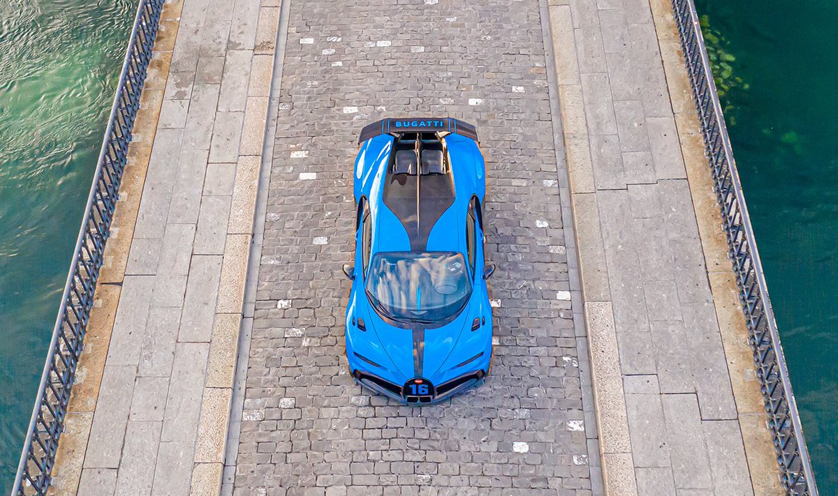 In line with its environment – the CHIRON Pur Sport.  #BUGATTI #BUGATTIChironPurSport #CHIRONPurSport #PurSport #Muensterbruecke https://t.co/3pvx6qGijI