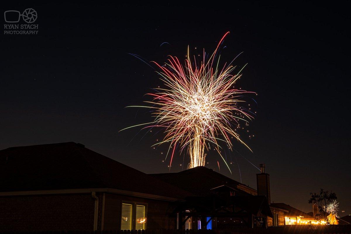 Long exposure of the fireworks from last weekend.  #fujifilm #longexposure pic.twitter.com/rSa2SbJqde