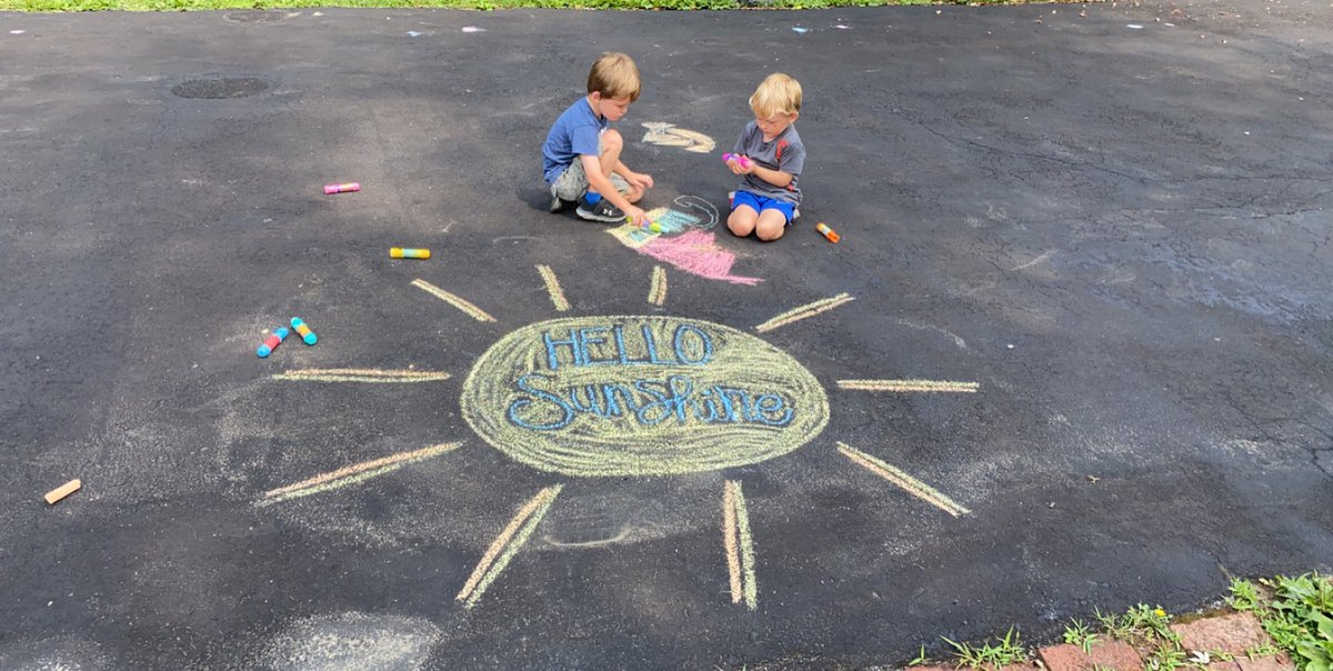 Who is the chalk really for? (Me. The answer is me.) #summer pic.twitter.com/98sPL9tnHJ