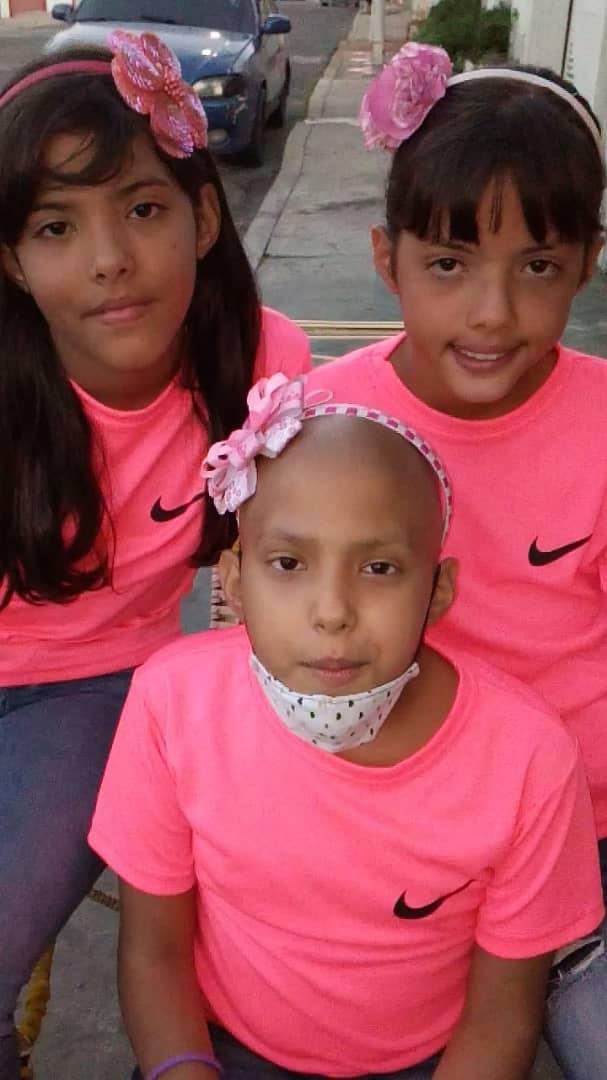 @aymaralorenzo Aymara te pido tu apoyo RT Somos de Maracaibo  Una de mis trillizas tiene cáncer y requiere una cirugía  https://t.co/tzb5zSlHgg https://t.co/zixyNpn5NY