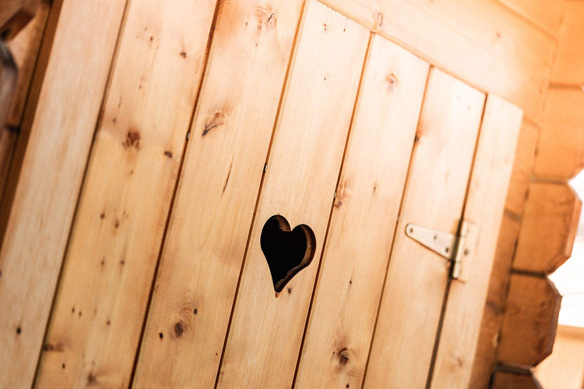 NEW PHOTO by Viktor Hanacek! Wooden Outdoor Toilet with a Carved Heart in The Door - free download: https://picjumbo.com/wooden-outdoor-toilet-with-a-carved-heart-in-the-door/… #freephotos (hit Retweet if you like it!) pic.twitter.com/sUQON5QRqF