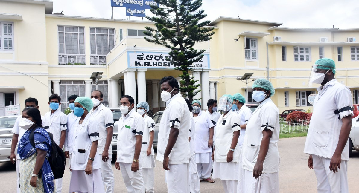 Over 150 stipendiary #nurses began their three day protest by wearing #black badges but without boycotting their duty at the city's K R #hospital from Wednesday demanding the state #health authorities to regularise their services #coronavirus #COVID19