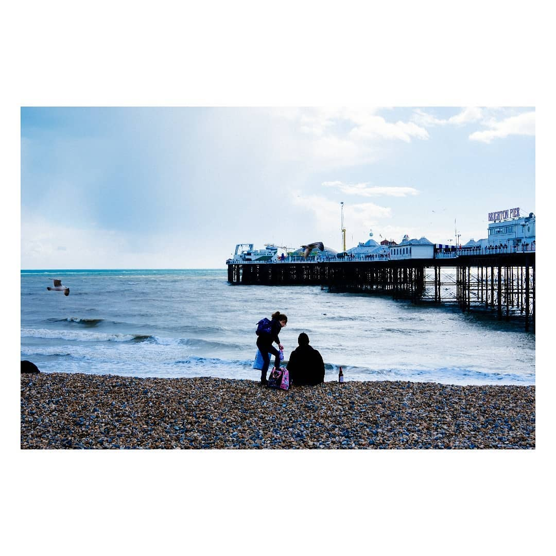 Brighton, 2019... More than a year ago.  #vsco #vscocam #fujifilm #fujixseries #fujifilmxe2 #fujifeed #streetphotography #streetphoto #colour #velvia #urbanlife #urbanphotography #brighton #uk #colorphotography #traveleurope #brightonbeach/n