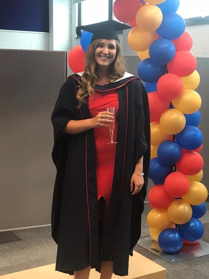 One year already since I graduated from Brunel! have learnt so much in the past year and love every part of being a Physiopic.twitter.com/QX17NjHped