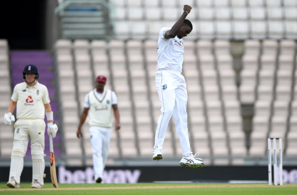 Bess and Anderson have added a crucial 30 for the last wicket, but England are all out for 204.  Jason Holder finishes with figures of 6/42, his best Test figures 👏 🎉   #ENGvWI SCORECARD ▶️ https://t.co/J9IrapSl4x https://t.co/fB4D2yEMTk
