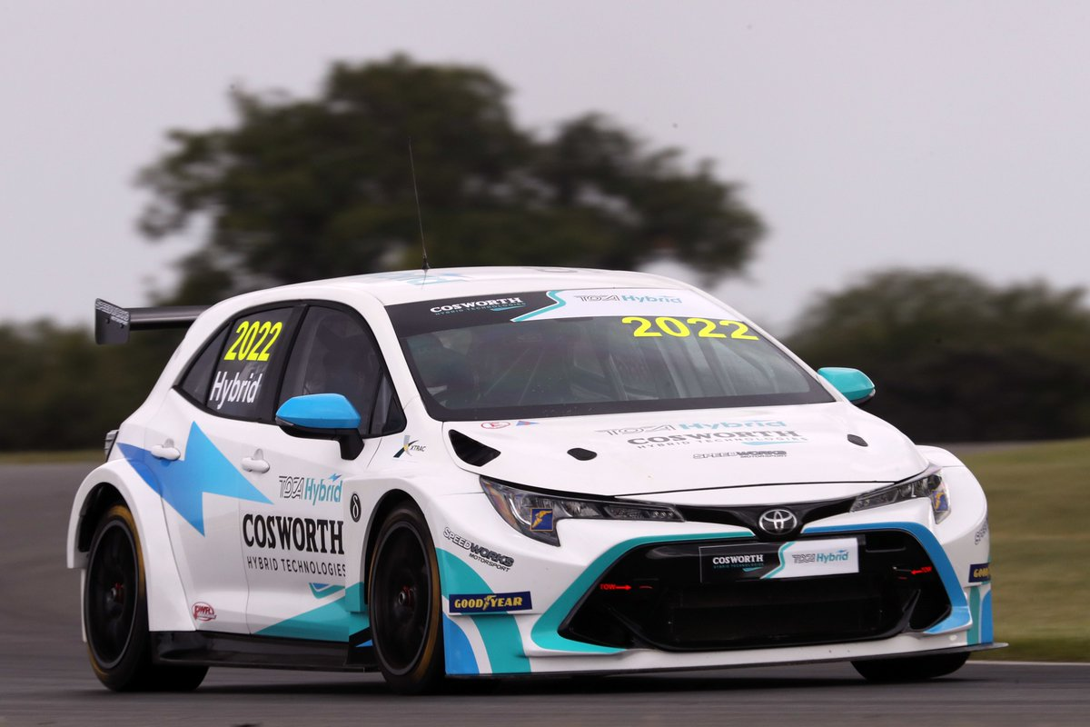 📰 LATEST NEWS:  TOCA Hybrid car makes historic track debut  See ➡️ https://t.co/zLEnZbSHDX  #BTCC #TOCAHybrid https://t.co/bGs8T5UPUl
