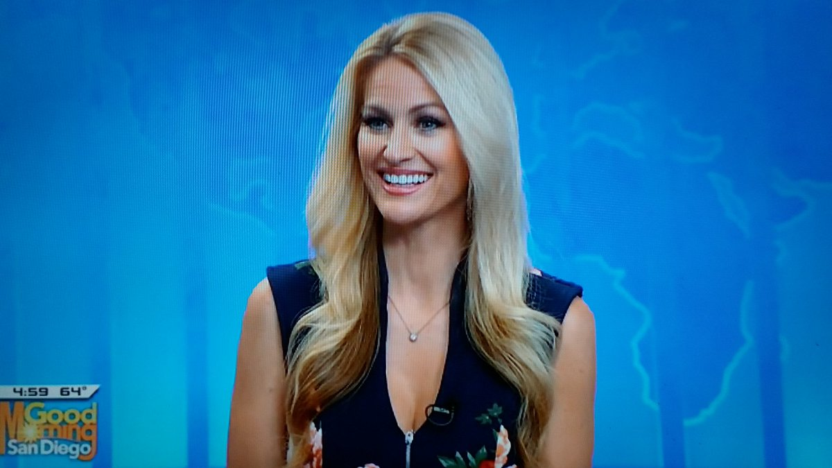 @LaurenKUSI Happy Happy Pre-Friday to the lady who brings the Sunshine 🌞 every day on @KUSI_GMSD Hope your day is equally Beautiful Lauren 💛 https://t.co/DKDAeSU8BA